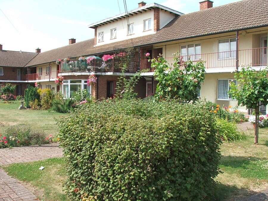 Spring Gardens Tewkesbury Gloucestershire Gl20 5dn Sheltered Housing Retirement Housing