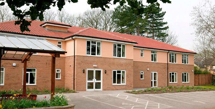 Kingfisher House Care Home Forest Heath Suffolk Cb8 0ej Nursing