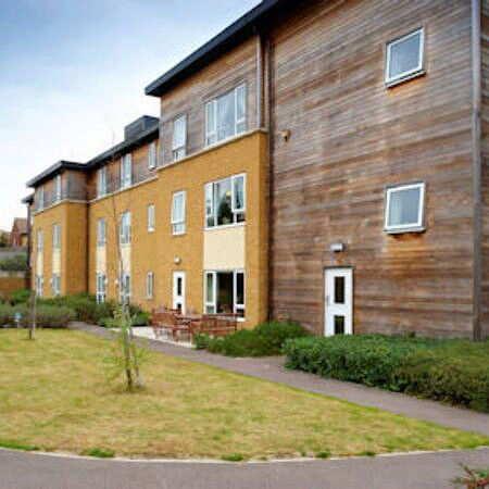 Birchwood care home west berkshire berkshire rg14 2pp for Birchwood homes