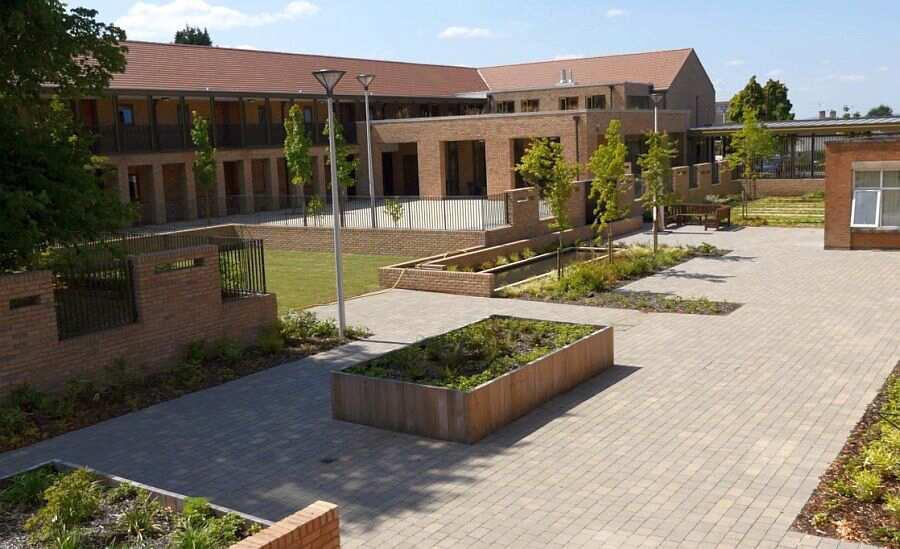 Pilgrim Gardens, Leicester, Leicestershire, LE5 6AL ...