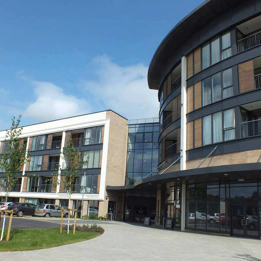 In Dunstable Bedfordshire: Priory View, South Bedfordshire, Bedfordshire, LU5 4HU