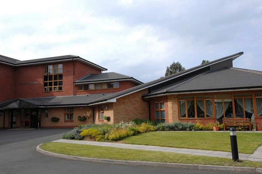 Oakwood Lodge, Walsall, West Midlands, WV12 5JN | Housing with care, assisted living, close care, continuing care housing